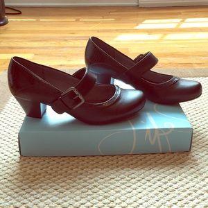 Life Stride Rosalyn Black Heels - Size 9